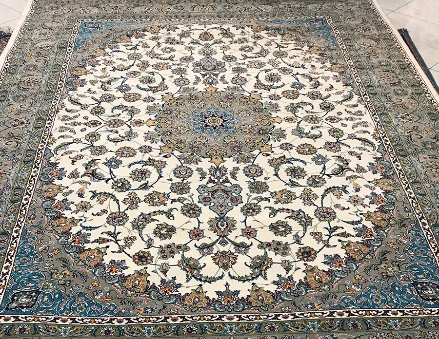 فرش نایین ۷۰۰ شانه طرح دستبافت